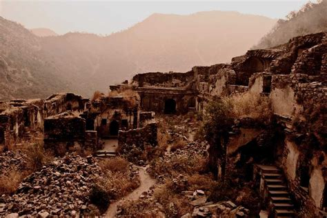 47 Most Haunted Places in India - Real Stories and Places
