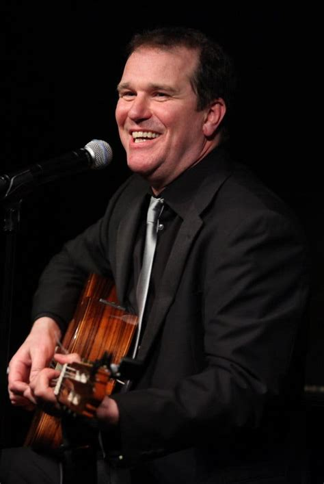Douglas Hodge at Café Carlyle - Music Review - The New