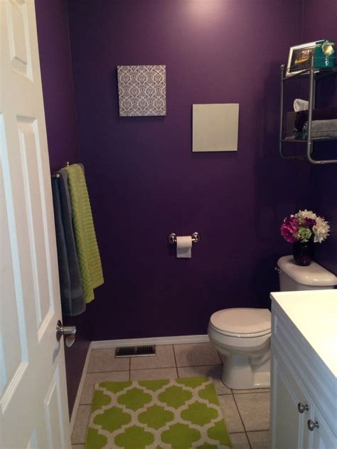 Pin by Andrea Gonzalez on Decorating | Purple bathroom