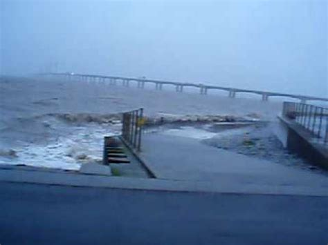 High Tide strong Wind RIVER SEVERN ,SEVERN BEACH - YouTube